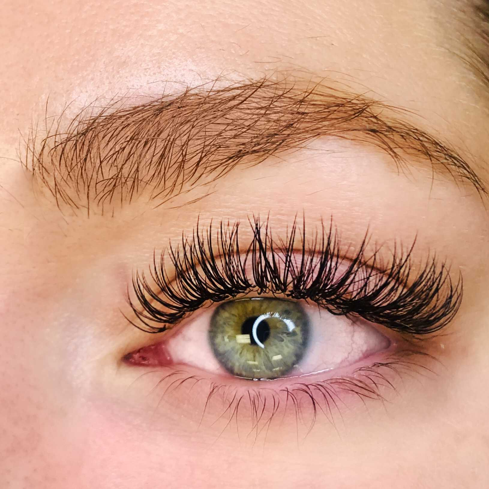 5 Benefits of Eyelash Extensions | Wisp Lashes