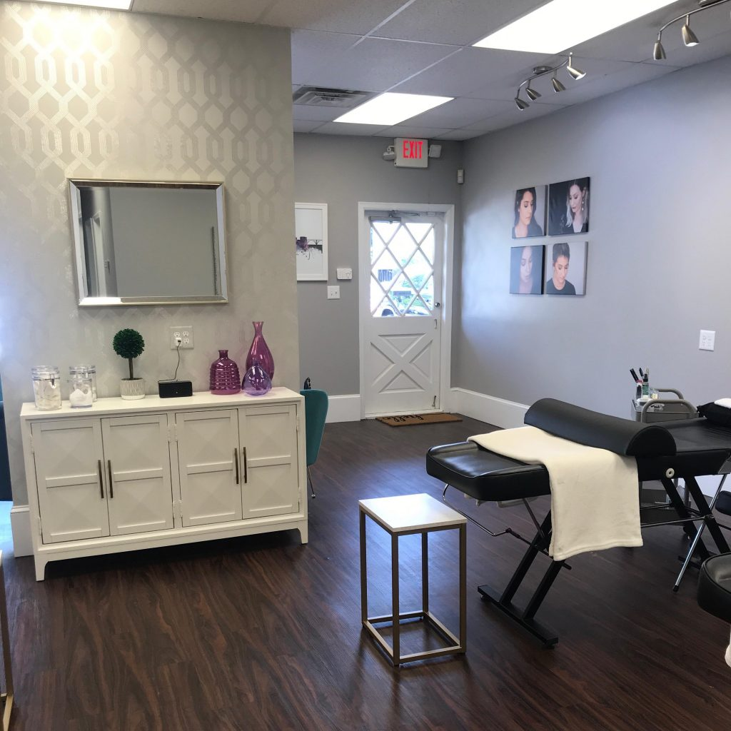 Wisp Lash Lounge, Knoxville TN