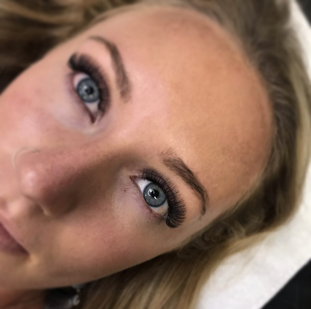 Volume eyelash extensions Knoxville